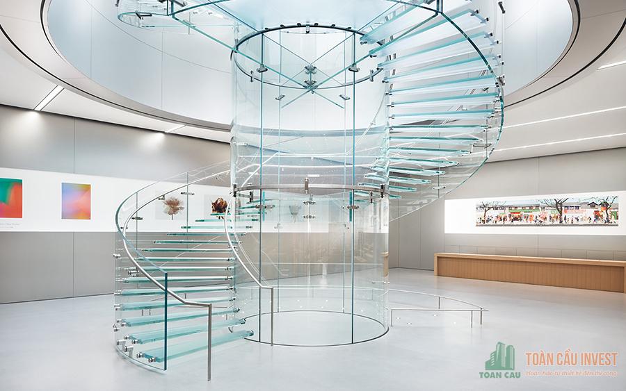 Cầu thang kính - Nhà thầu thi công nhôm kính Toàn Cầu Invest