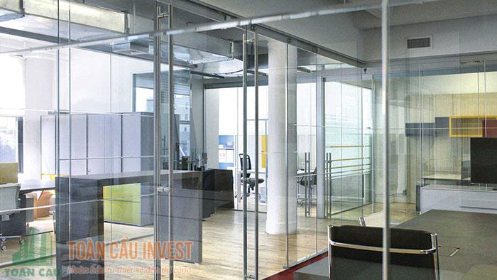Vách kính giải pháp tuyệt vời cho văn phòng công ty