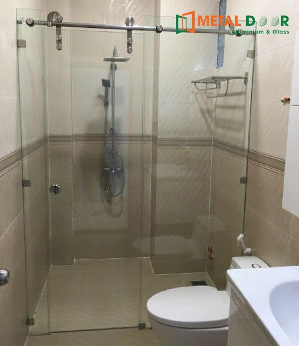 Vách kính phòngtắm nhỏ
