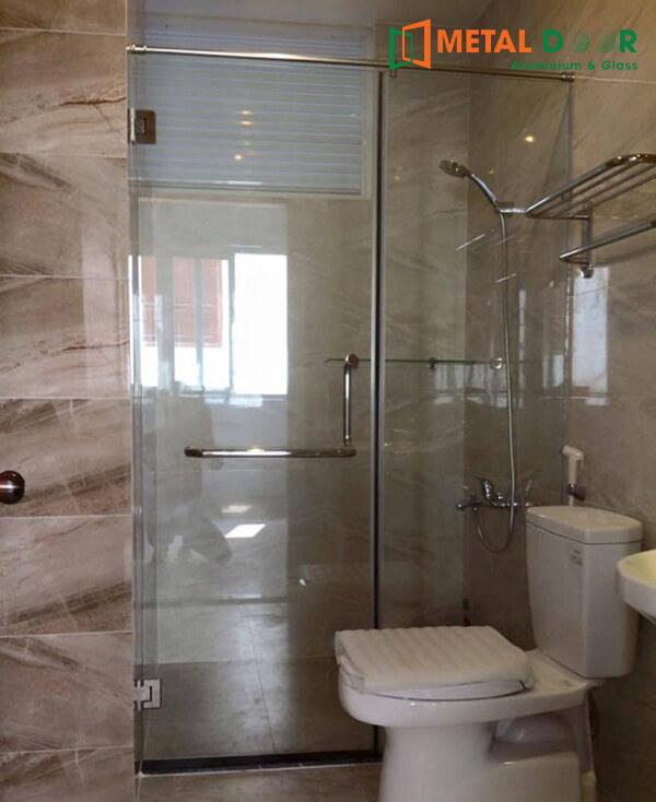 Vách tắm kính cho nhà tắm phòng ngủ