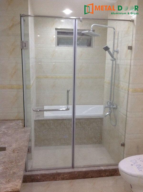 Cabin phòng tắm kính mở quay