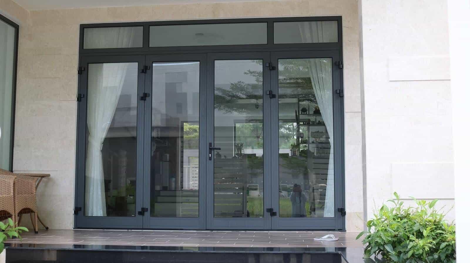 Các loại cửa đi nhôm kính phổ biến hiện nay